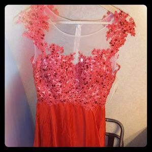 UniqueProm.Com Red Gown Size 4